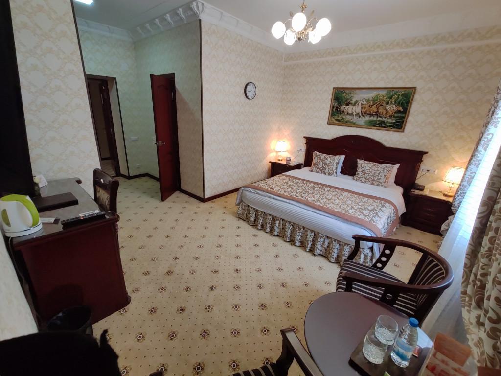 Room 2767 image 26125