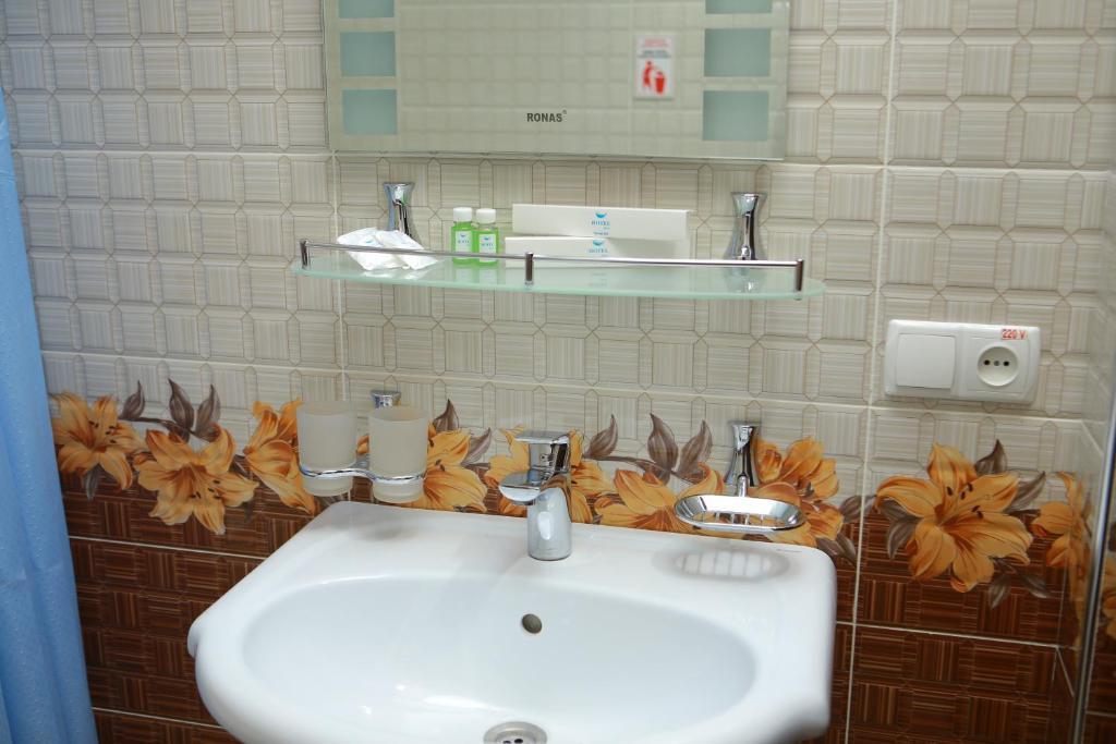 Room 2808 image 31607