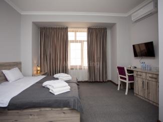 Muqaddas Hotel - Image