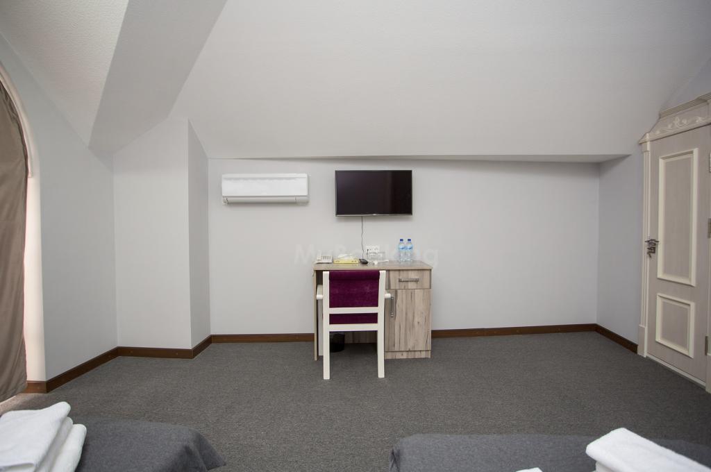 Room 2919 image 33077