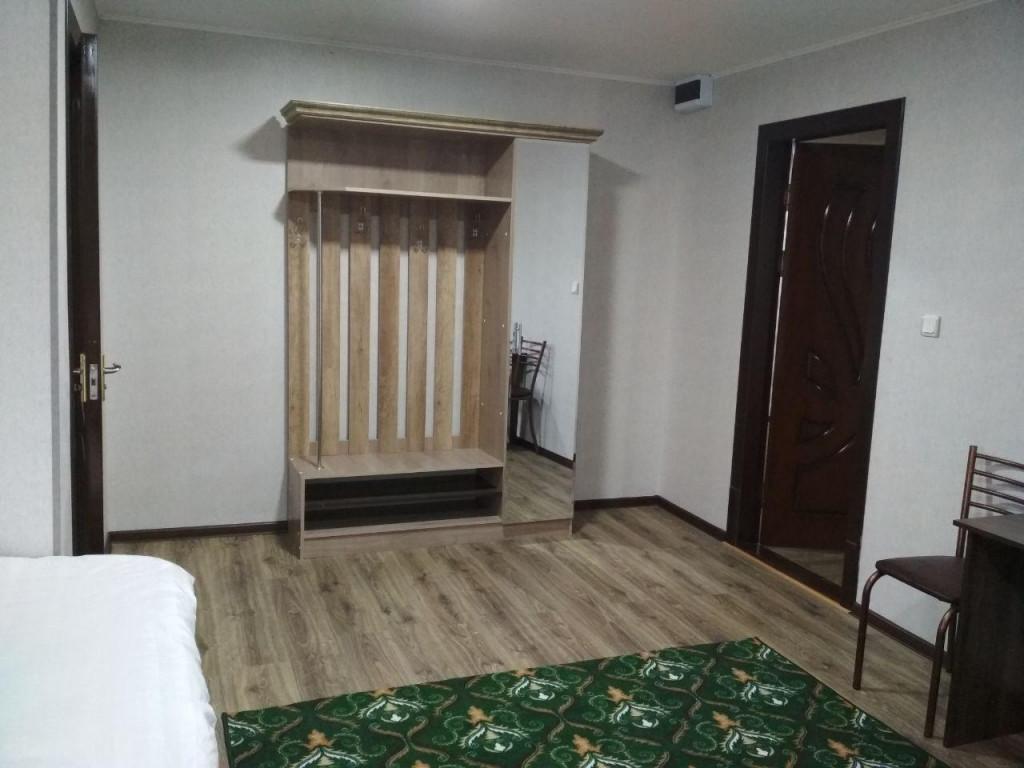 Room 3233 image 29674