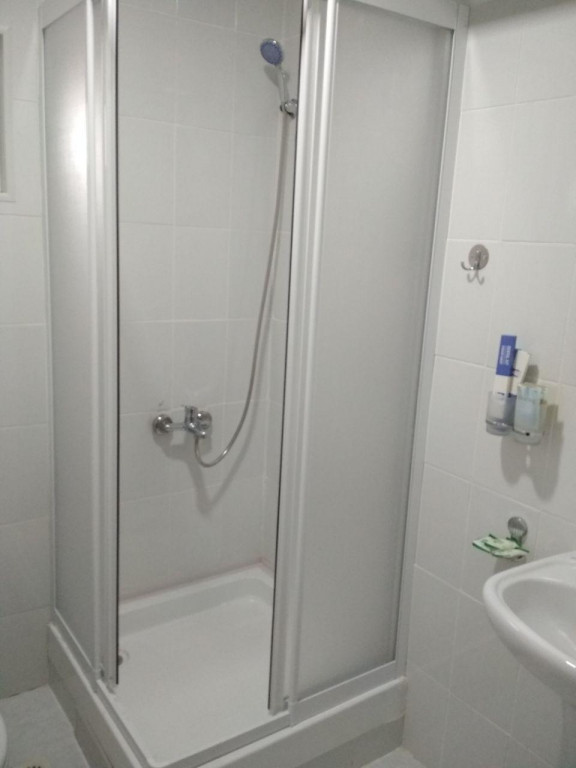 Room 3233 image 29673