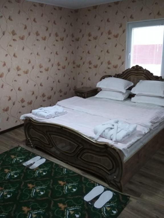 Room 3233 image 29678
