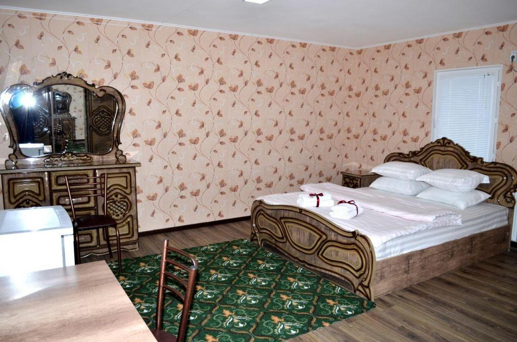 Room 3233 image 30438