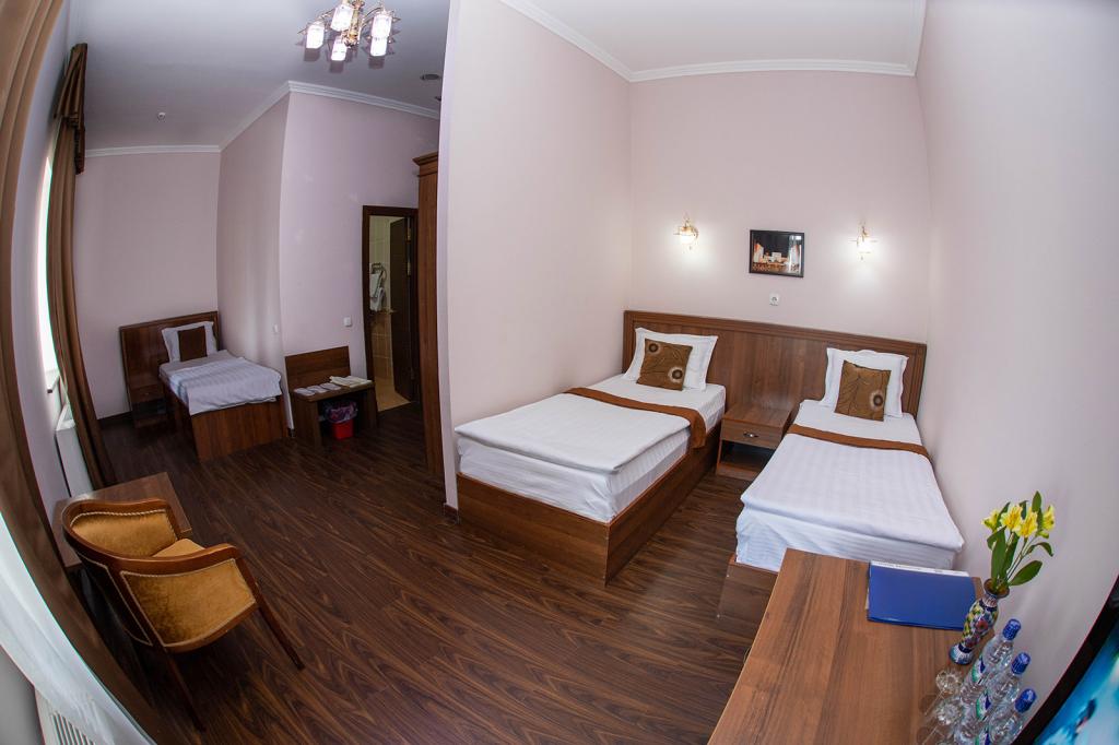 Room 1374 image 40069