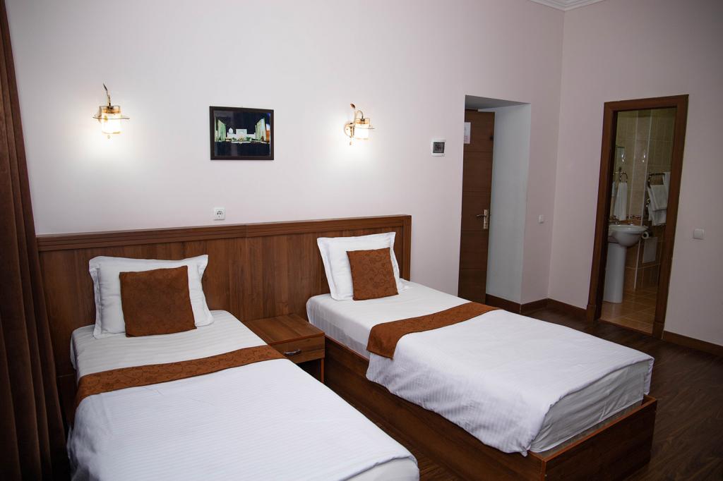 Room 624 image 40078