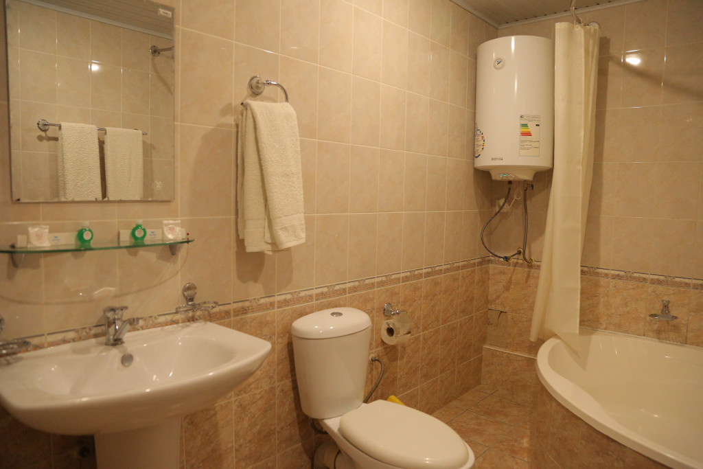 Room 3347 image 30585