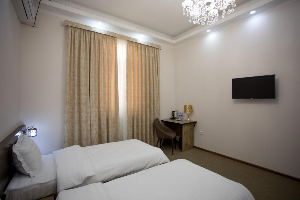 Room 3366 image 30575