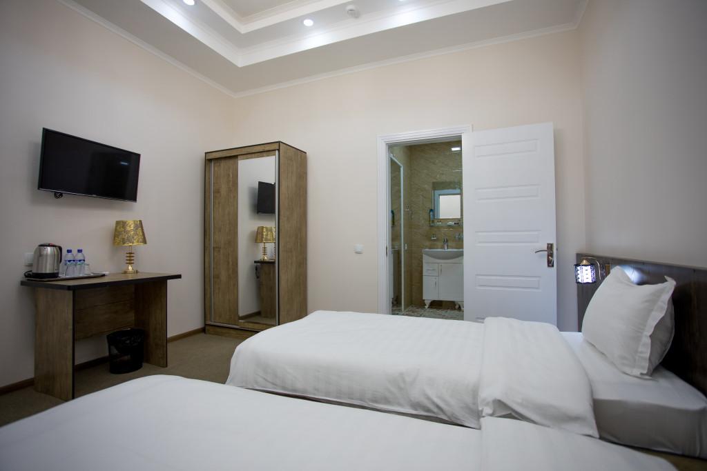 Room 3366 image 30578
