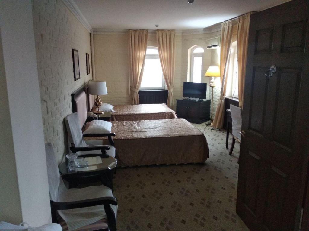 Room 3377 image 30796