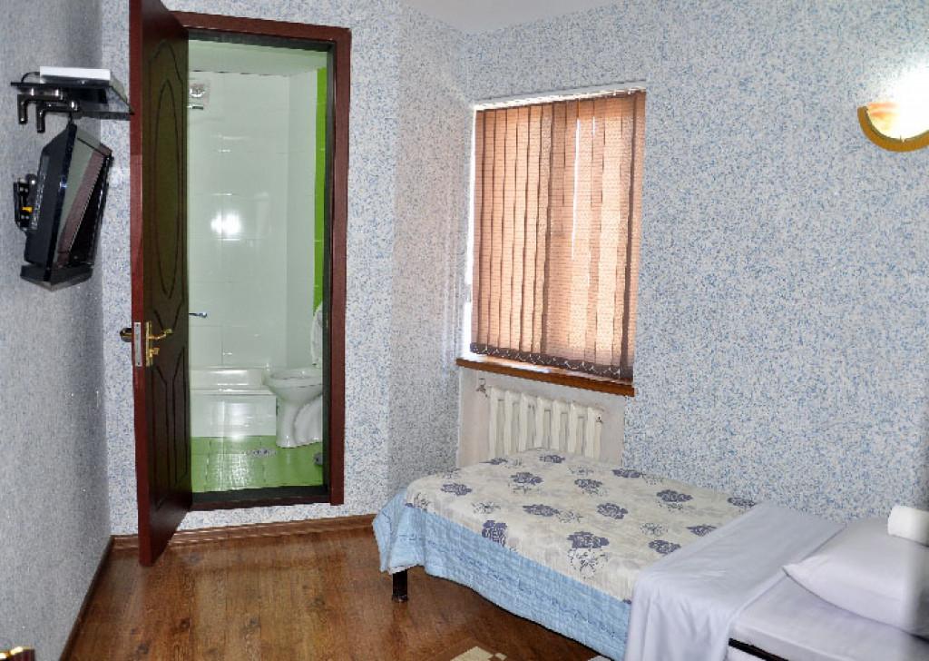 Room 3383 image 30826