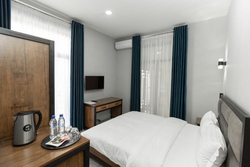 Room 3429 image 31909