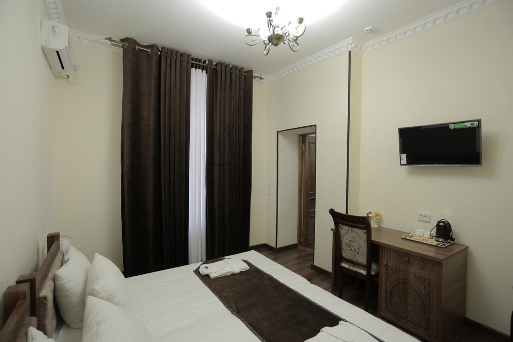 Room 3437 image 32109