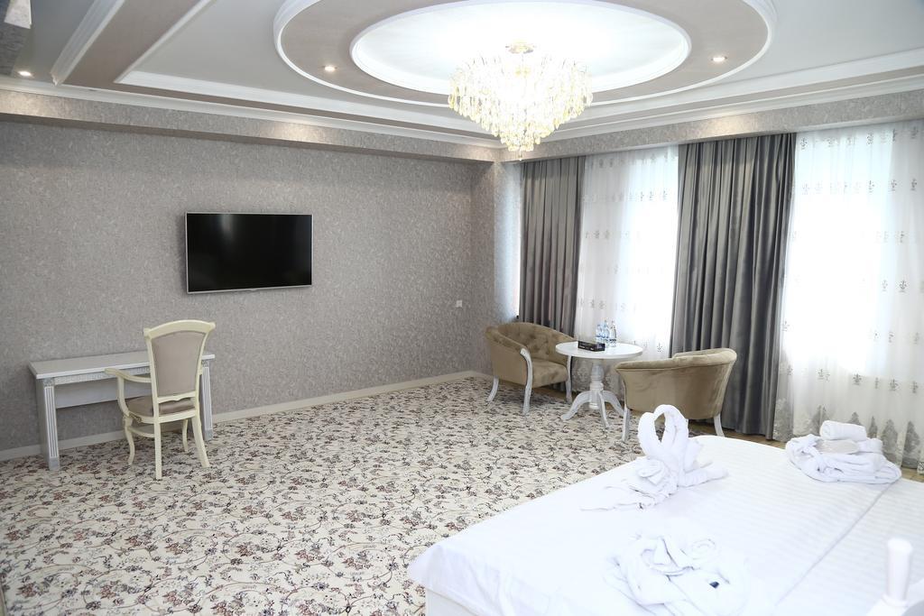 Room 3519 image 32775