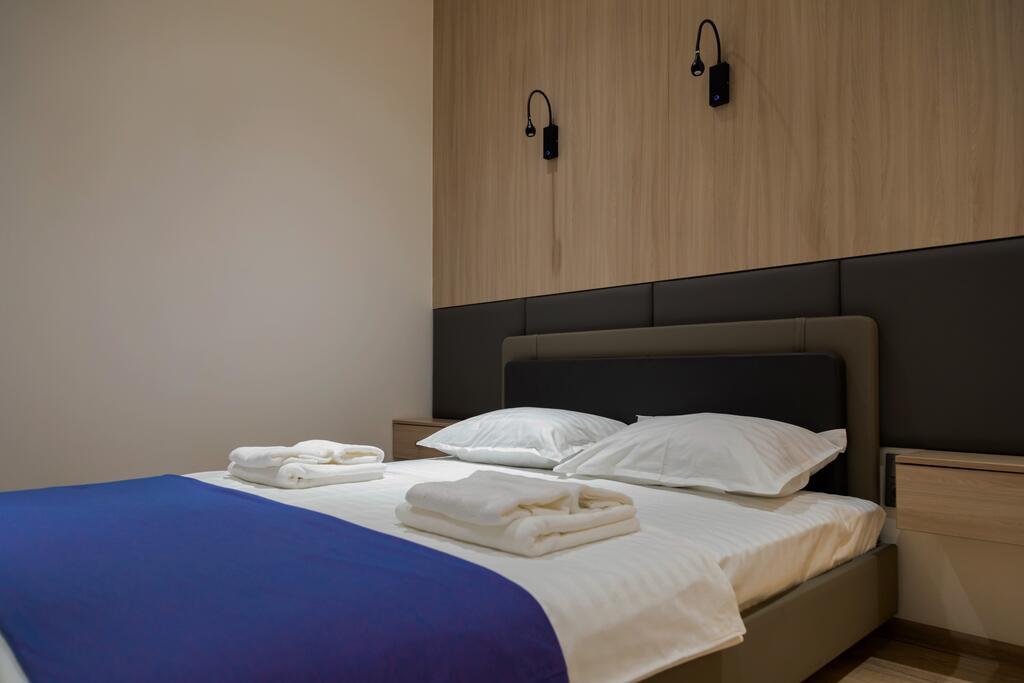 Room 3493 image 32834