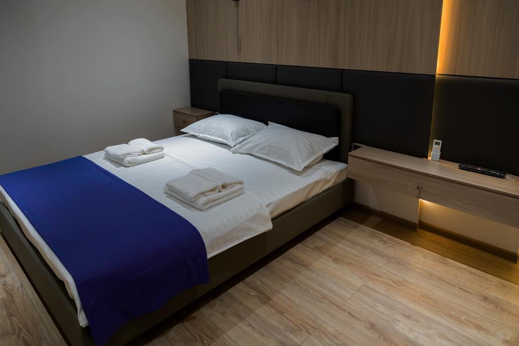 Room 3493 image 32835