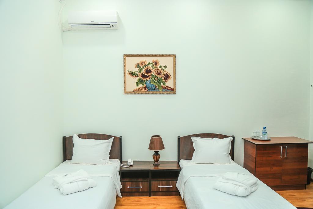 Room 3522 image 32878