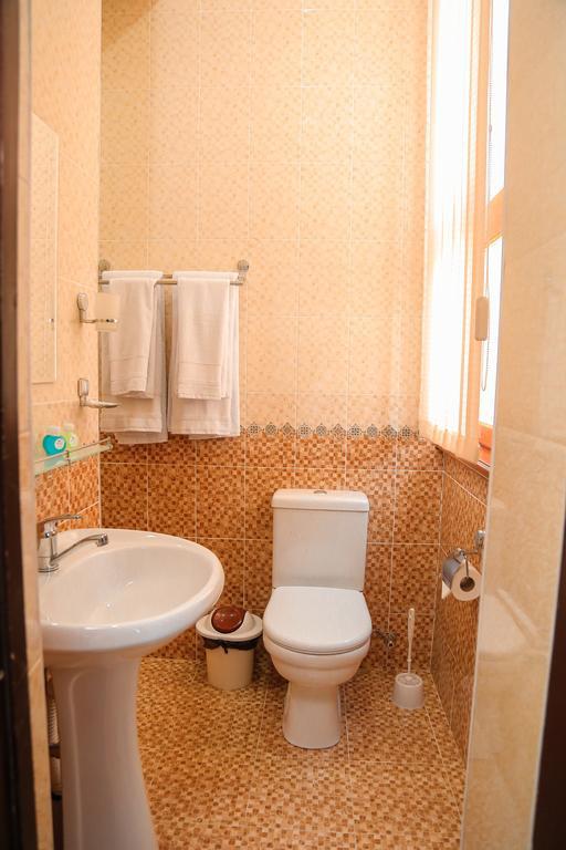 Room 3522 image 32883