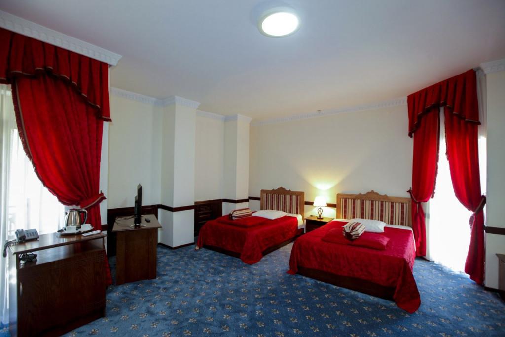 Room 3541 image 33097