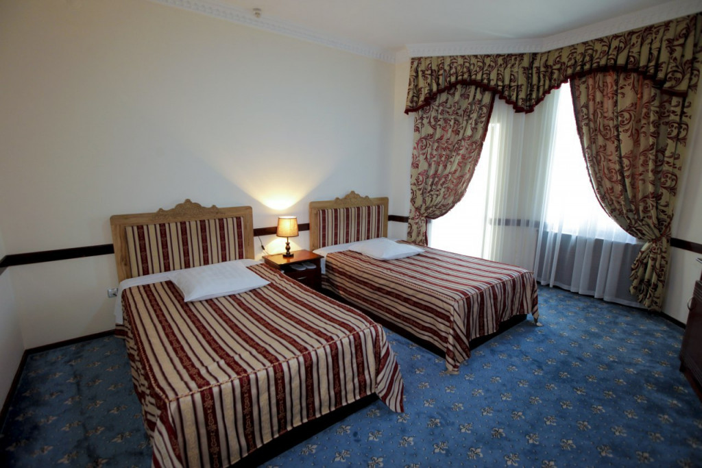 Room 3540 image 33098