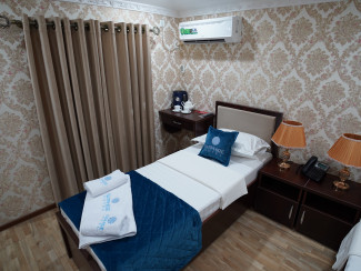 Sapphire Hotel - Image