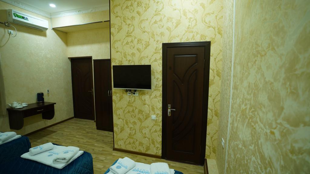Room 3565 image 33590