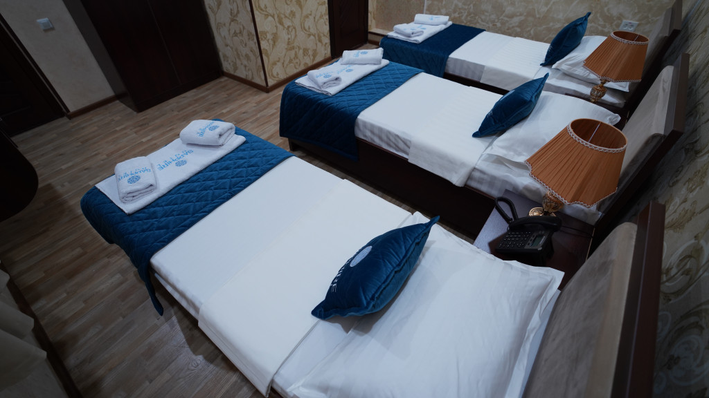 Room 3565 image 33597