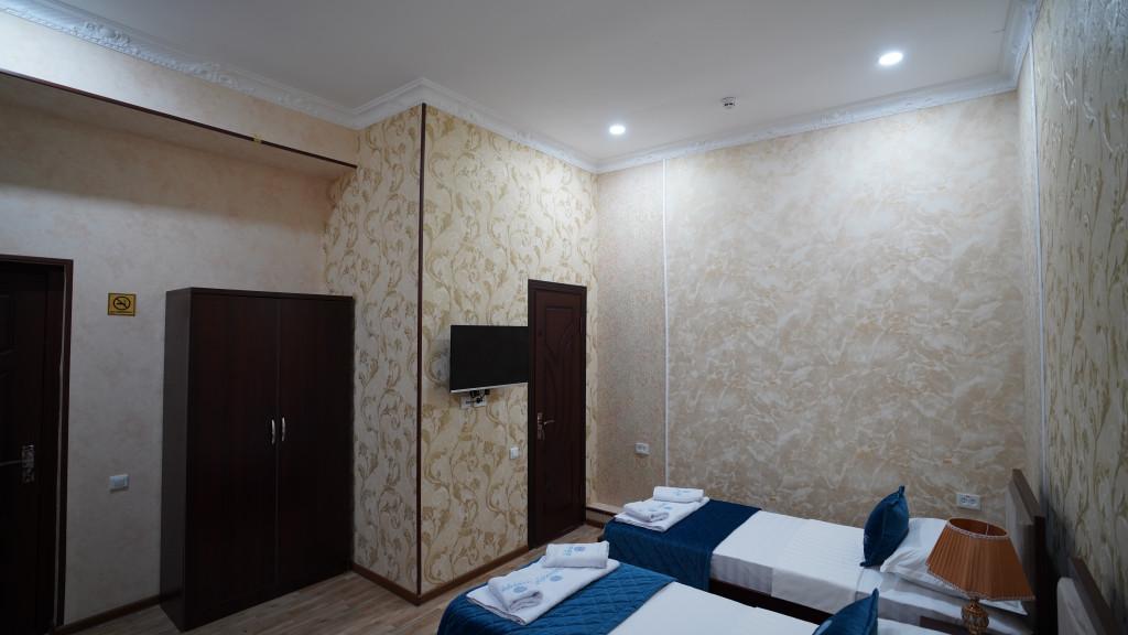 Room 3565 image 33599