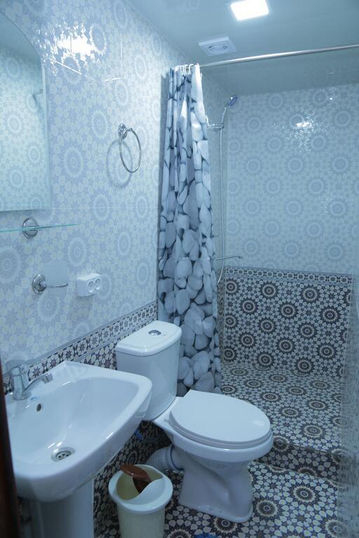 Room 3582 image 33777