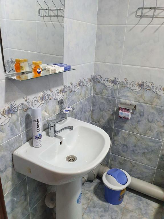 Room 3584 image 33908