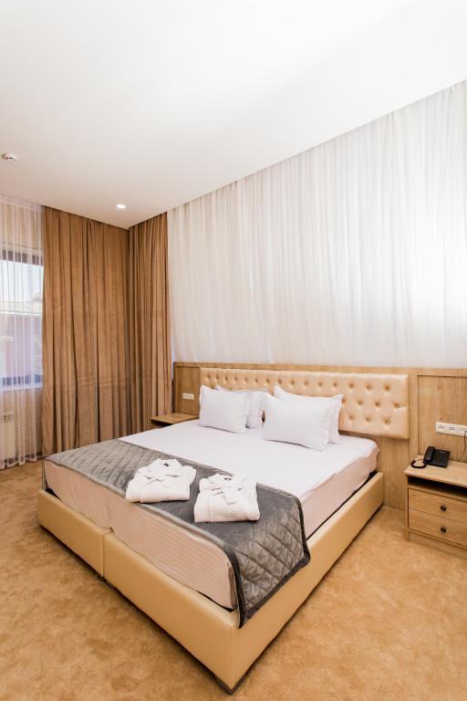 Room 3680 image 35336