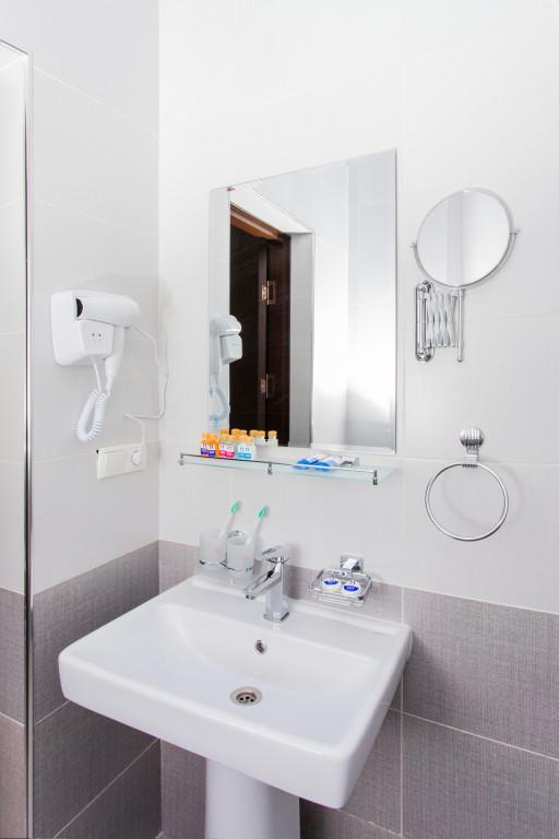 Room 3681 image 35350