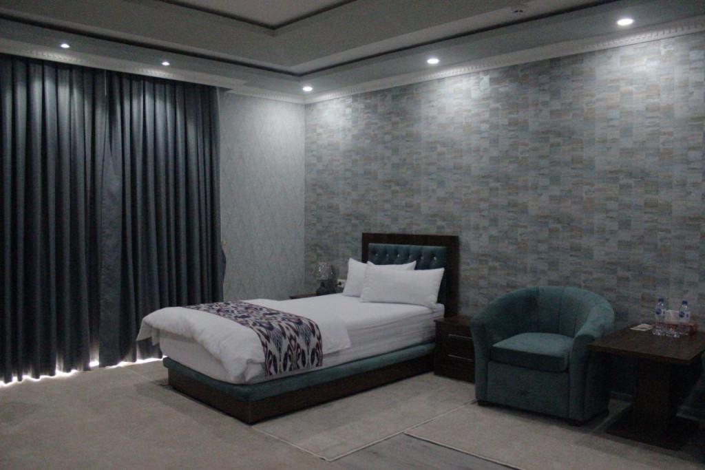Room 3706 image 35705