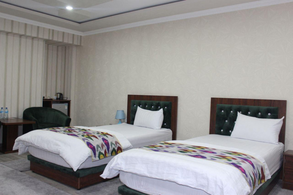 Room 3710 image 35717