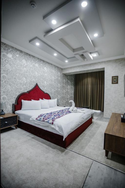 Room 3707 image 35940
