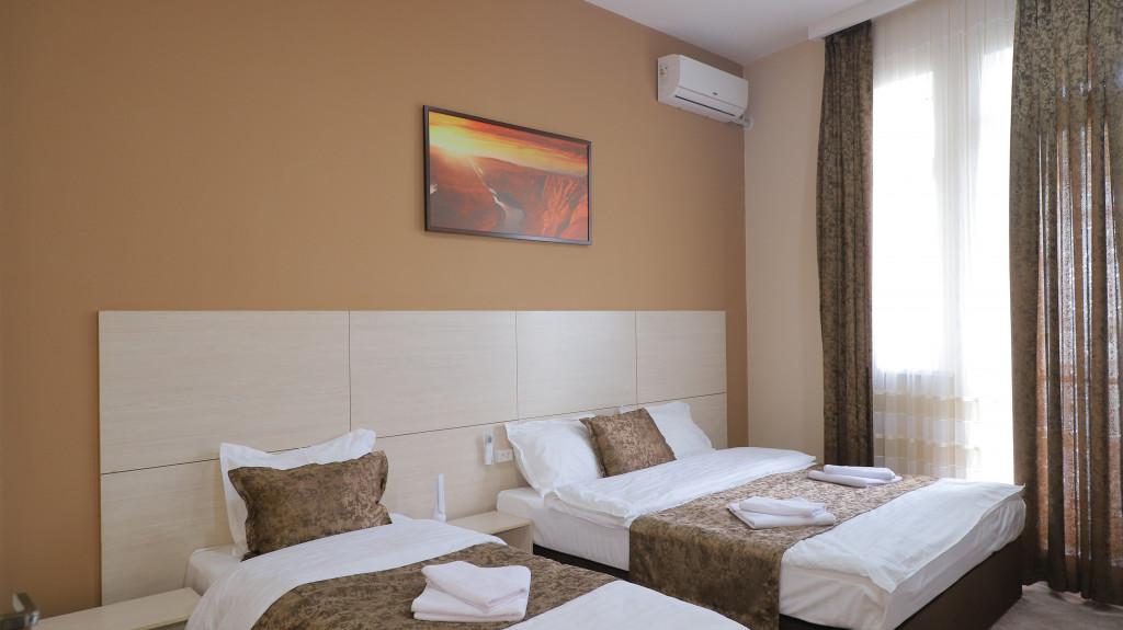 Room 3721 image 35780