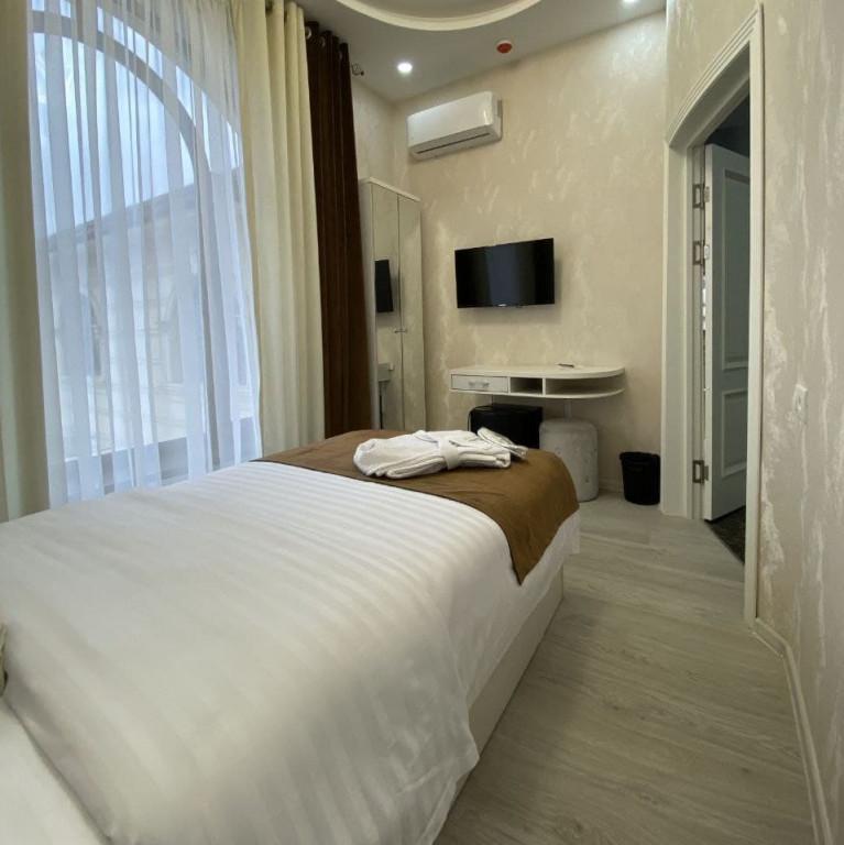 Room 3806 image 36377