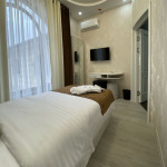 Room 3806 image 36377 thumb