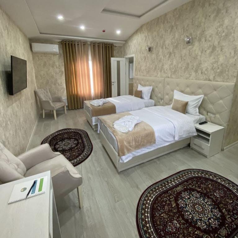Room 3810 image 36382