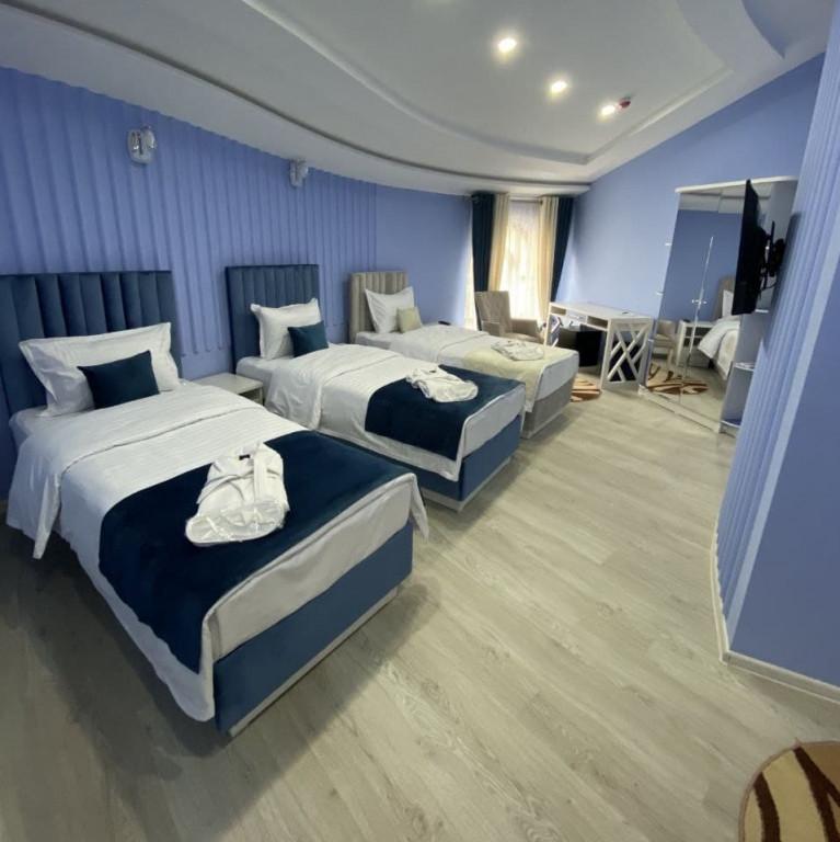Room 3807 image 36400
