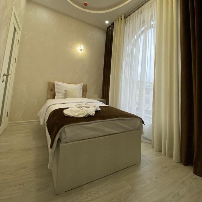 Room 3806 image 36403