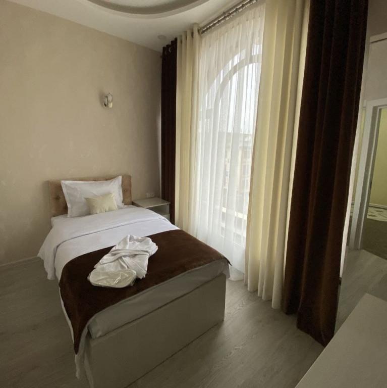 Room 3806 image 36406