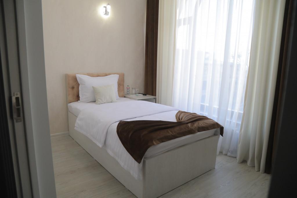 Room 3806 image 38774