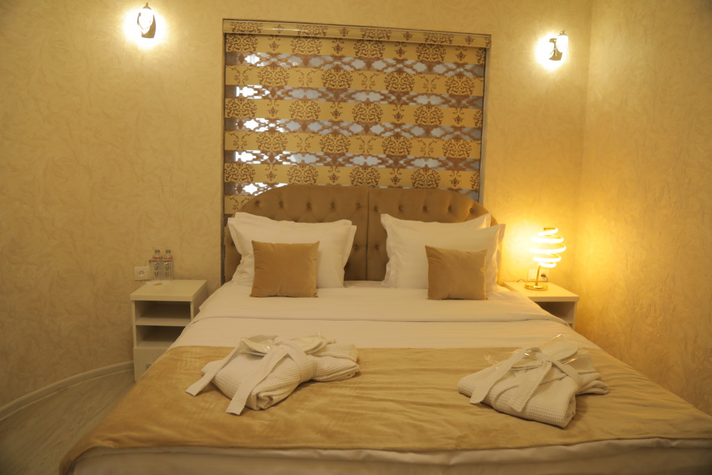 Room 3808 image 38782