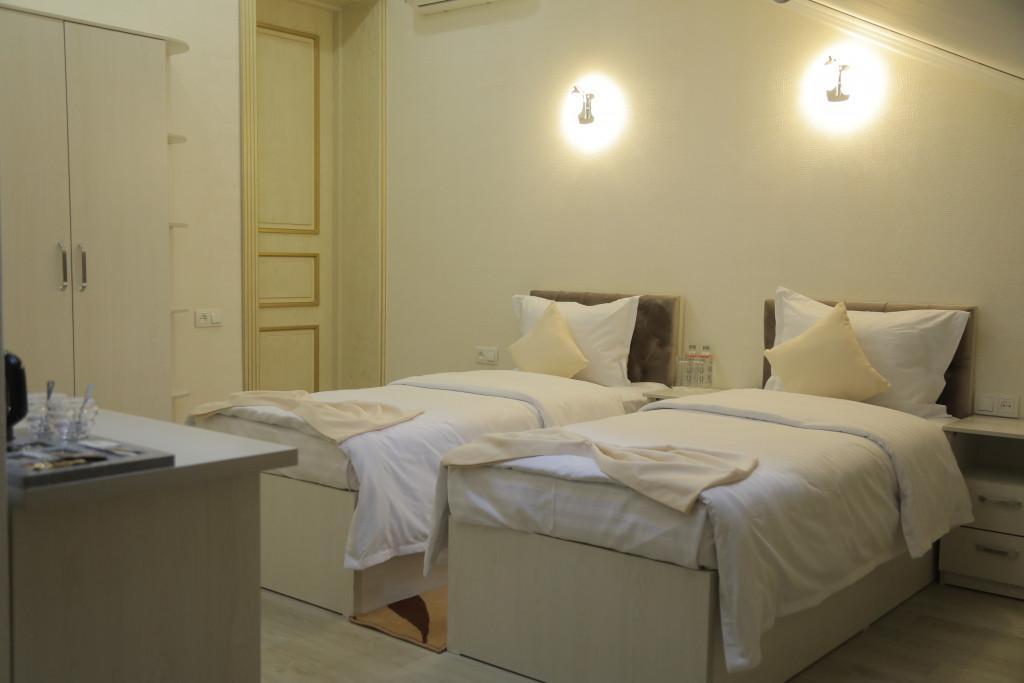 Room 3809 image 38784