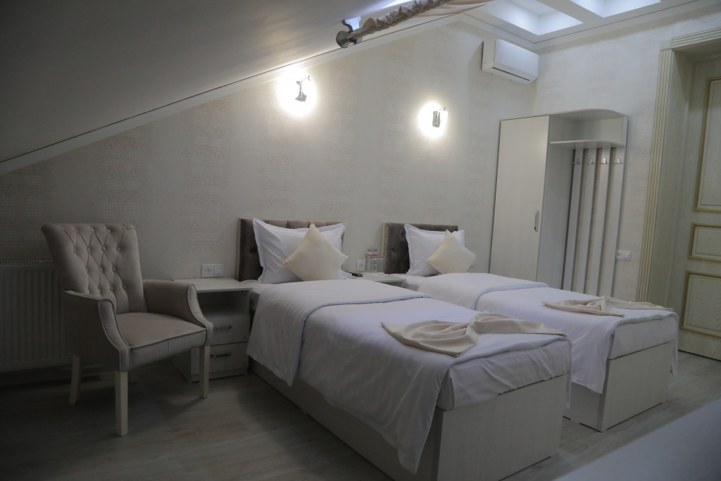 Room 3809 image 38786
