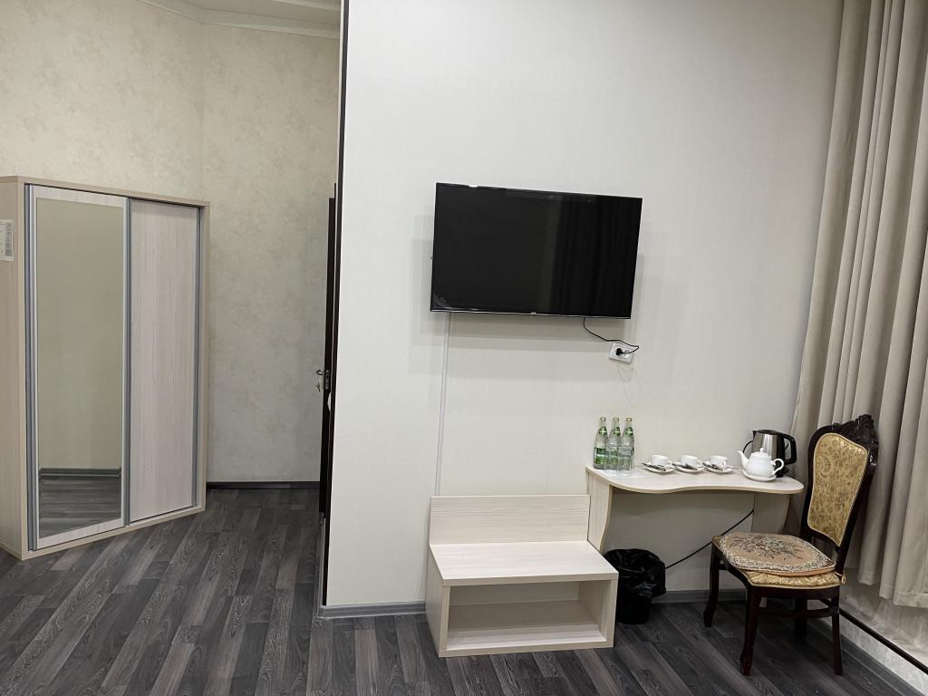 Room 3840 image 36912