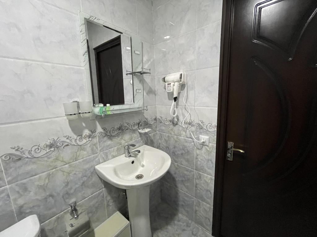 Room 3840 image 36915