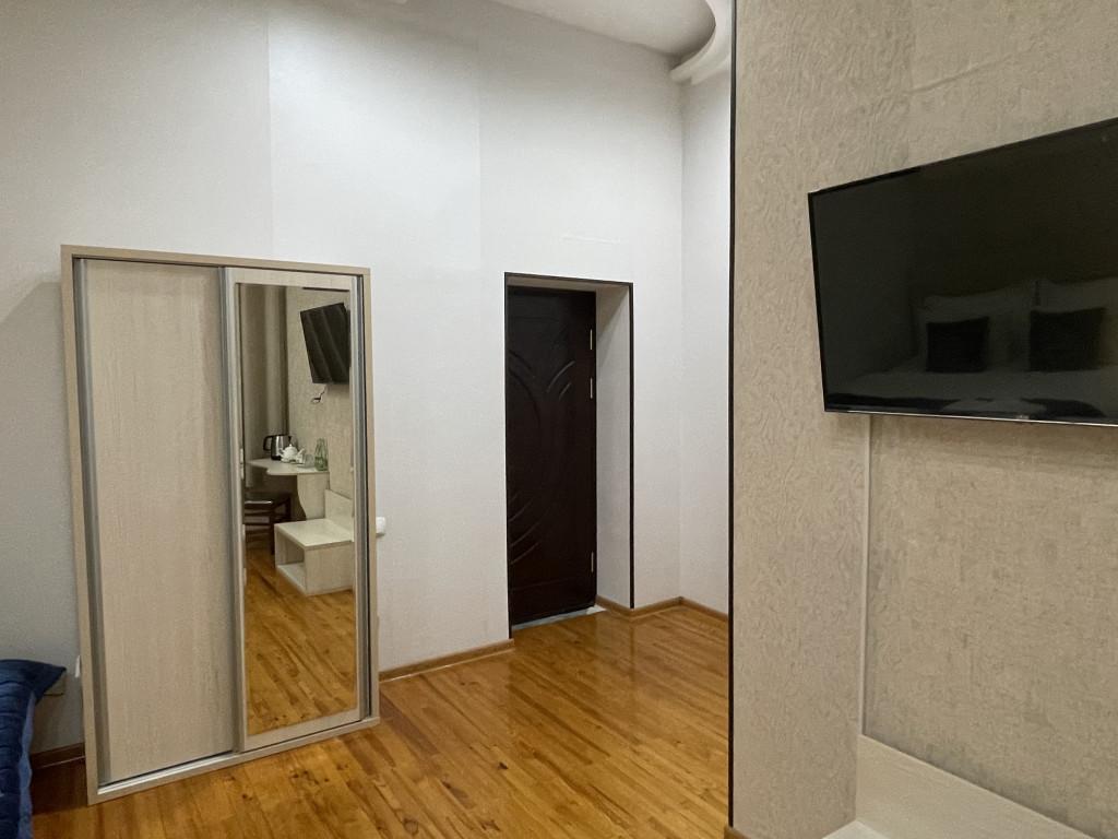 Room 3840 image 36922