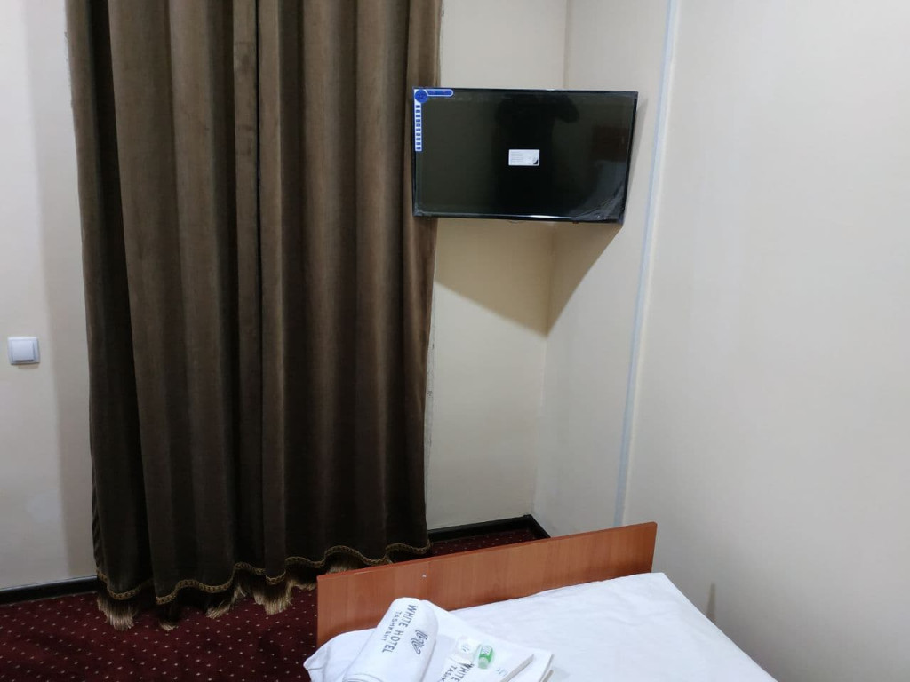 Room 3907 image 37526